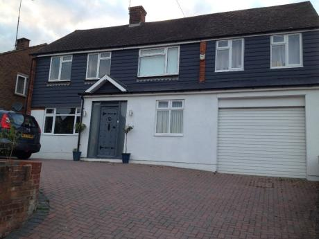 3 bedroom house in gravesend converted into 6 bedoom with three ensuites